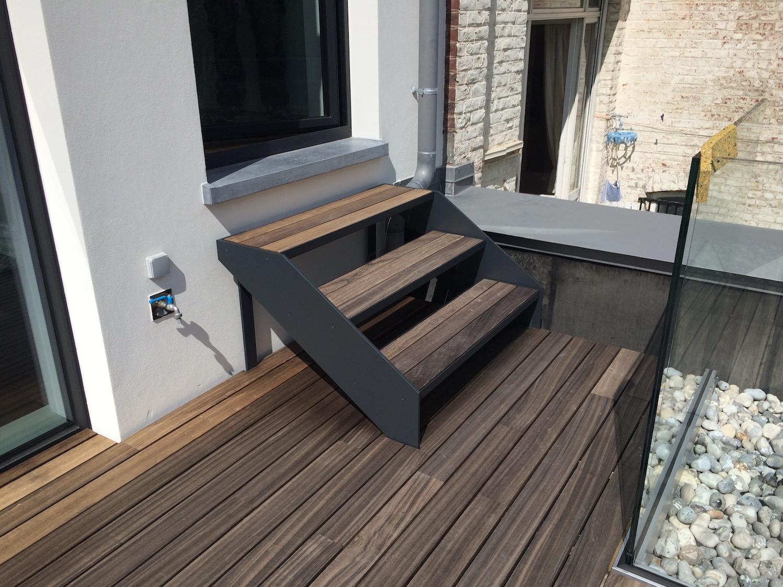 Escalier extérieur acier bois