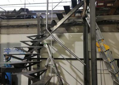 Fabrication escalier sur mesure.jpg